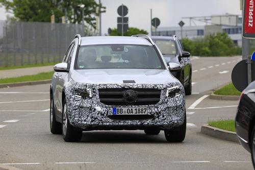 Mercedes GLB, le foto spia  (3)