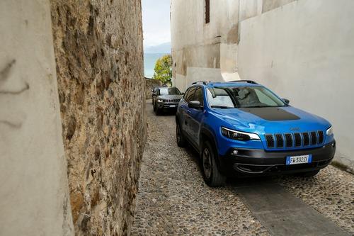 Nuova Cherokee 2019 Trailhawk: col benzina 272 CV è una pura Jeep bella anche in strada (4)
