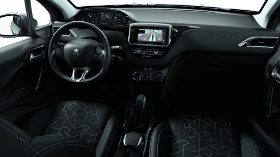 Gli interni dedicati della Peugeot 2008 Signature