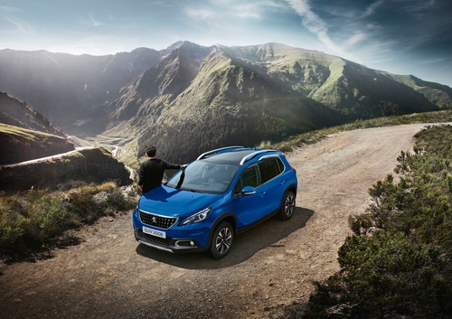 Peugeot 2008 Signature: serie speciale per il SUV francese