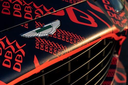 Aston Martin DBX: prodotti i primi esemplari (5)