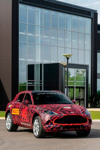 Aston Martin DBX: prodotti i primi esemplari (8)