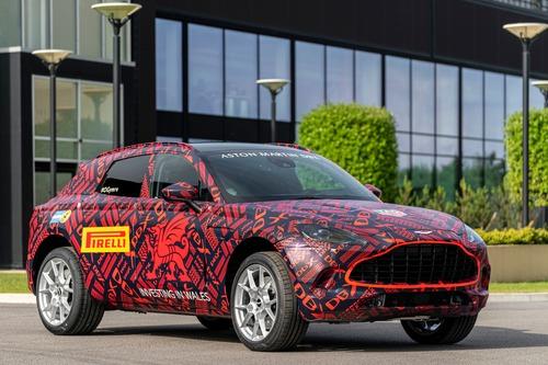 Aston Martin DBX: prodotti i primi esemplari
