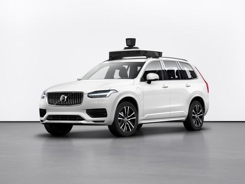 Volvo: con Uber la XC90 a guida autonoma