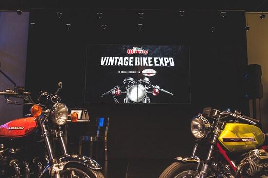 Le vincitrici delle prime due edizioni del premio, la Kawasaki Z900 e la Moto Guzzi V7 Sport