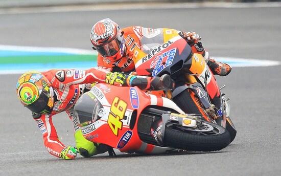 La caduta di Rossi e Stoner a Jerez 211