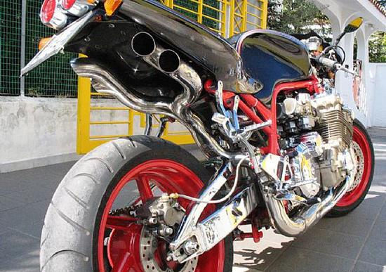 Le Strane di Moto.it: Honda CBX 6 cilindri
