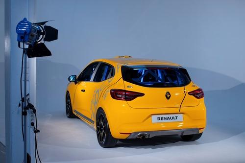 Renault Clio: Cup, Rally ed RX 2020 in un'auto sola (9)