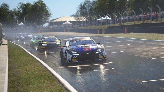 La RC F GT3 è tra le auto più agili del lotto. Attenzione però, al limite è una delle più difficili da controllare!