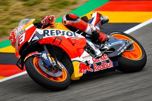 MotoGP 2019. Márquez è il più veloce nelle FP2 in Germania (8)