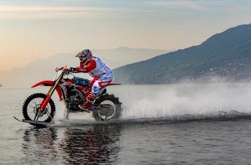 Luca Colombo a caccia del record di velocità sull'acqua