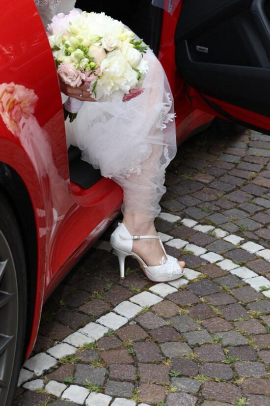 Quando attendi la tua promessa sposa in chiesa e avverti con giusto anticipo l'arrivo, grazie al rombo del 6 cilindri 3.0 Porsche