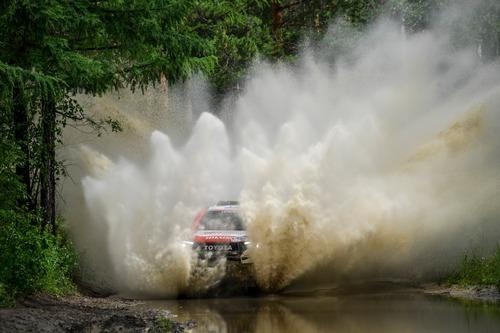 Silk Way Rally 2019-1. Al Attiyah (Toyota) e i Fratelli Benavides (2)