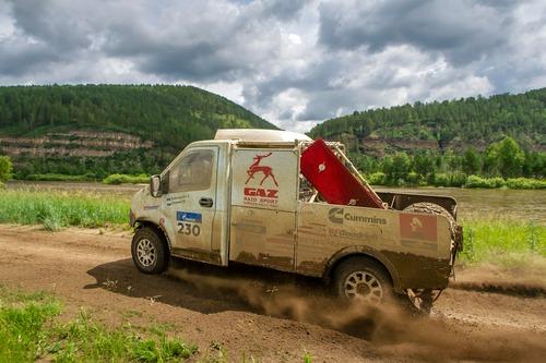 Silk Way Rally 2019-1. Al Attiyah (Toyota) e i Fratelli Benavides (5)