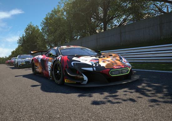 Apprezzatissima anche dal giornalista di Top Gear Chris Harris, la 650 GT3 è la classica auto da corsa mangia-cordoli