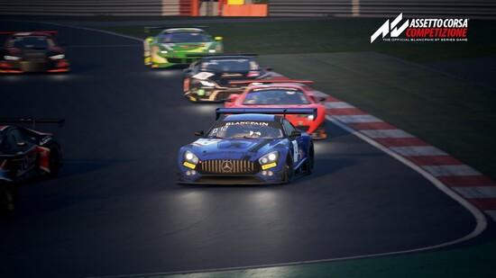 Tra le vetture più utilizzate dai piloti AM, la Mercedes AMG richiede una notevole esperienza per essere guidata sul bagnato