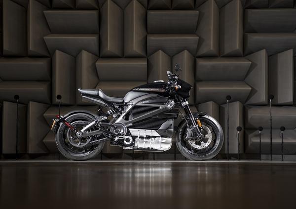 Harley-Davidson: in prova il sound elettrico della LiveWire