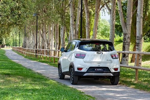 Nuovo KUV100 NXT: il restyling del city SUV Mahindra da 10.000 € [video foto gallery] (6)