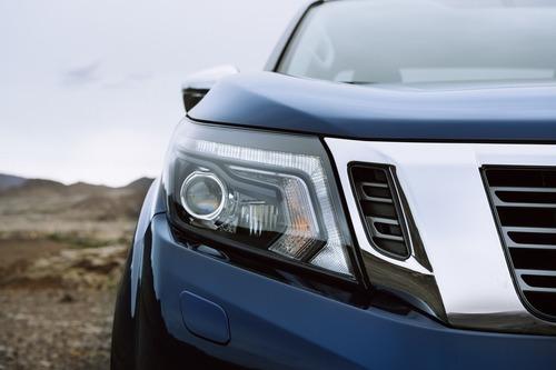 Nissan Navara, aggiornamento per il pick-up (4)