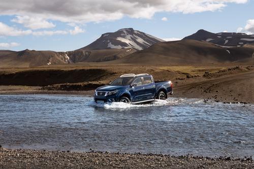 Nissan Navara, aggiornamento per il pick-up (6)