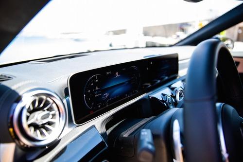 Mercedes: tutta l'emozione del concetto Sedan (5)