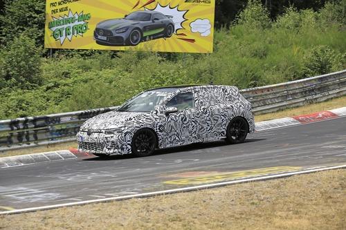 Volkswagen Golf GTI, le foto spia al Nürburgring (2)