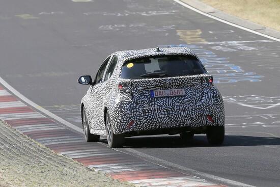 La parte posteriore della futura Toyota Yaris