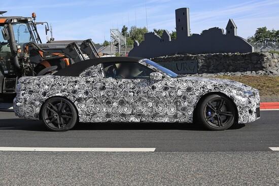 Il profilo laterale della futura BMW M4 Cabrio