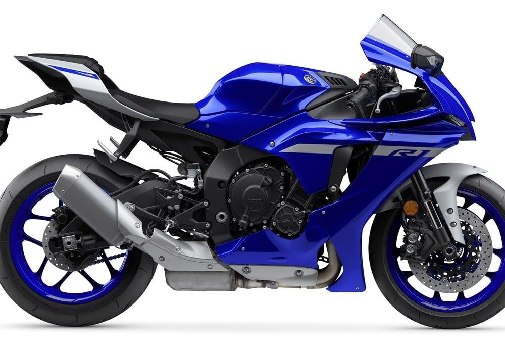 Yamaha YZF R1 (2020) (2)