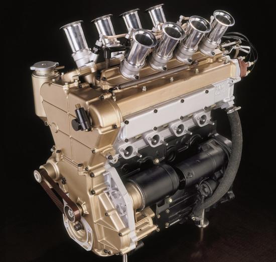 6-Questo è il motore BMW M10 di Formula Due con testa Apfelbeck a valvole radiali del 1966. La disposizione dei condotti di aspirazione (otto, verticali) e di quelli di scarico è evidente