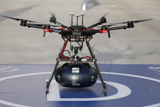 Il drone addetto al trasporto di componenti