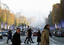 Francia, taglio agli incentivi per le auto green