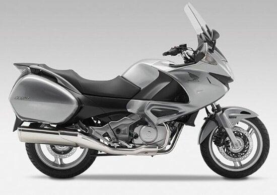 Honda 1000 Sport Touring. L'erede di Deauville e Pan European?