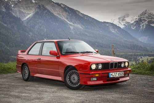Buon compleanno SZ: trenta anni dalla nascita della rara Alfa Romeo coupé (4)