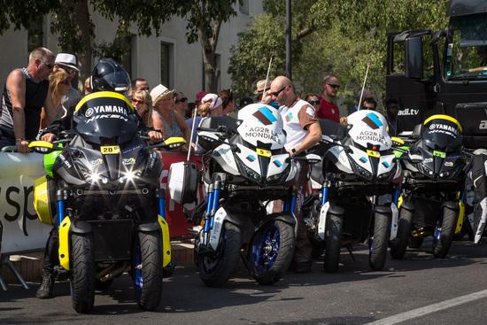 Una flotta di Niken per l'assistenza di gara e squadra (AG2R - La Mondiale)