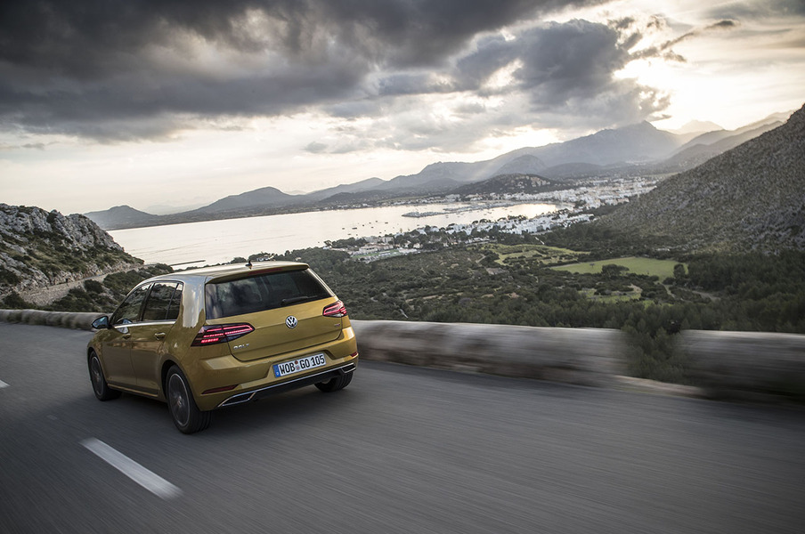 Volkswagen Golf (2014->>) (5)