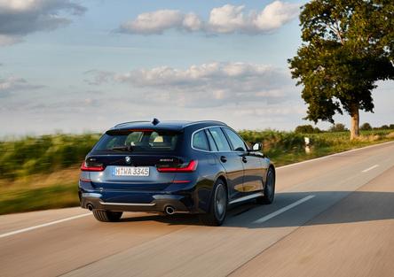 BMW Serie 3 Touring 2019, la G21 è elegante e sportiva [Video]