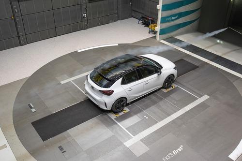 Opel Corsa: aerodinamica attiva per ridurre i consumi (5)
