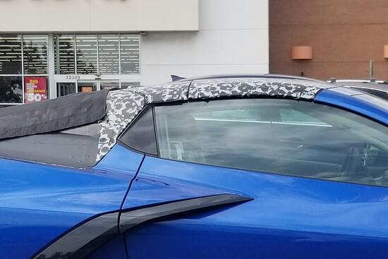 Il soft-top della futura Corvette C8 Cabriolet