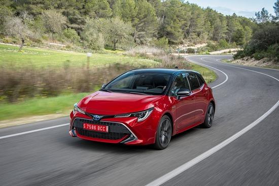 La Toyota Corolla in un'immagine dinamica
