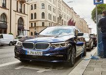 BMW 530e 2019 | Più batteria per 57 km di autonomia elettrica