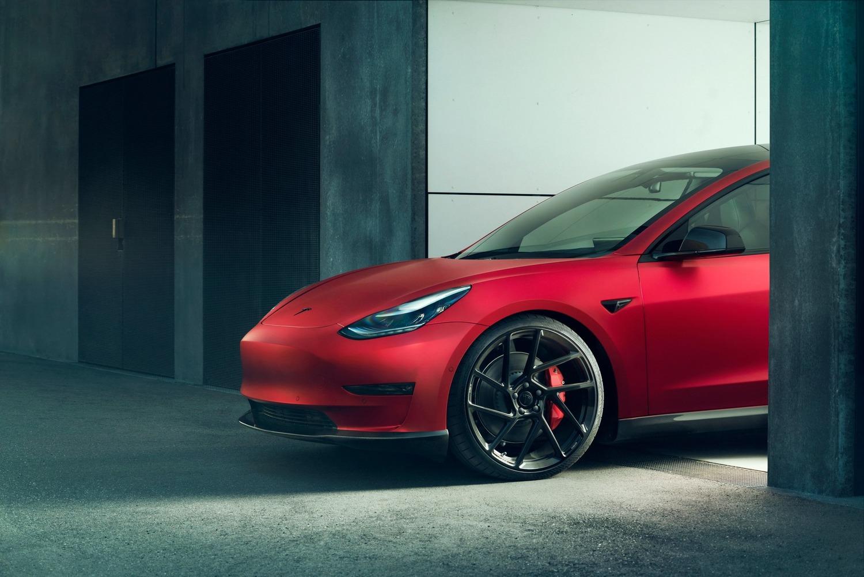 Tesla Model 3 | Novitec la rende...più sportiva!