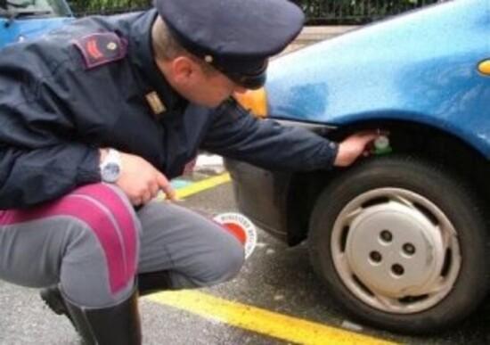 Pneumatici di marche diverse sulla stessa auto: ecco che cosa dice la legge