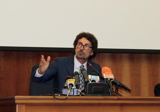 Il Ministro Danilo Toninelli durante il suo intervento di presentazione del nuovo Protocollo di monitoraggio e manutenzione dei viadotti autostradali