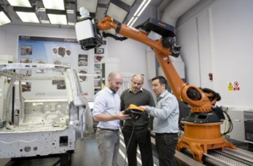 Robot e tecnologie laser: insieme nella nuova frontiera della produzione automobilistica (3)