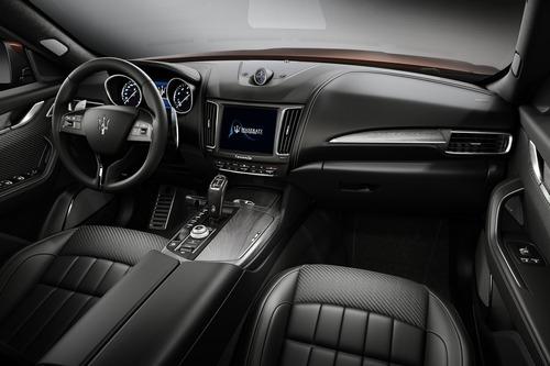 Maserati a Monterey Car Week: fascino italiano sempre top con special Levante e Quattroporte [foto gallery] (5)