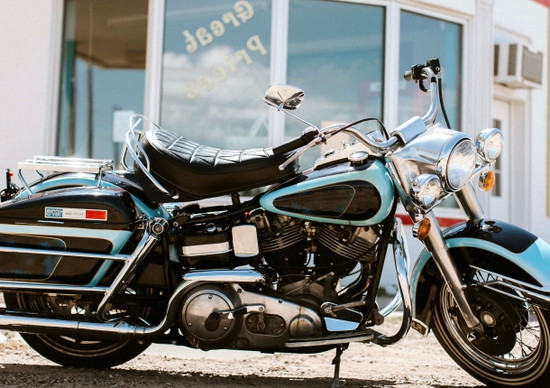 Asta dei record per l'Harley-Davidson di Elvis Presley
