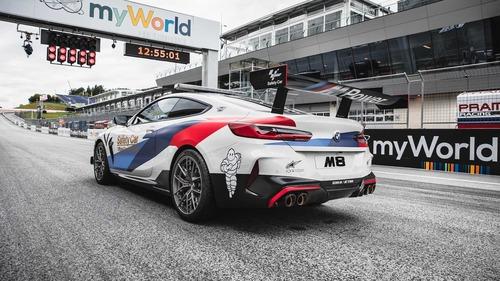 BMW M8 in pista con la MotoGP: i dettagli della Safety Car (5)