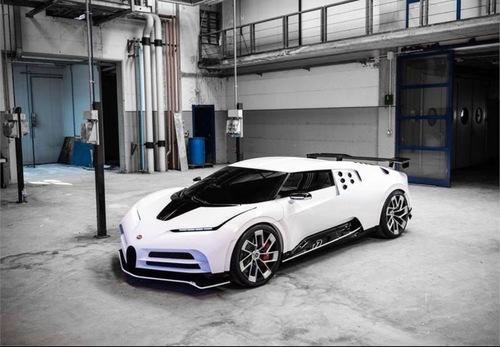 Bugatti Centodieci, l'hypercar da 8 milioni di euro a Pebble Beach
