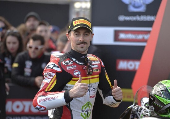 SBK 2020. Eugene Laverty firma con BMW